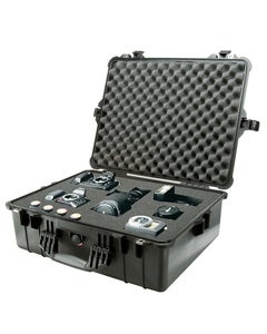 Pelican 1600 Protector Large Case with Foam (Black)